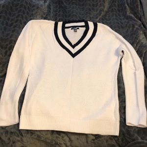 Chaps XL Navy and white v-neck sweater